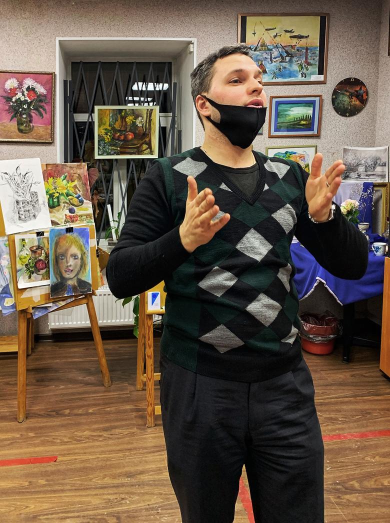 Глухой художник — о работе в «Пятерочке», сурдо-изо-кружке и искусстве