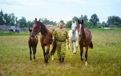 У меня конный клуб: я и конюх, и тренер, и ветеринар