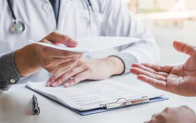 Что грозит за поддельный больничный лист или купленную «корочку»