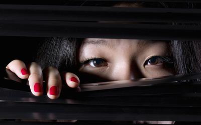 На работу — как в тюрьму: китайская фирма следила за сотрудниками через «умные» подушки