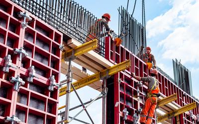 Нехватка строителей в РФ привела к росту цен на жилье