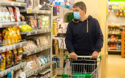 Количество жителей России, финансово пострадавших от пандемии, удвоилось
