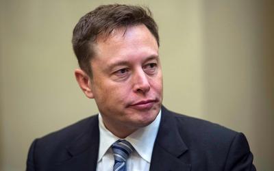 Илона Маска обязали восстановить на работе в Tesla уволенного активиста