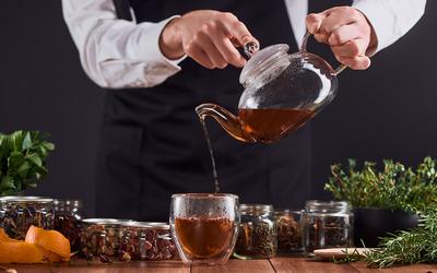 Чайный бармен и дезинфектор вошли в рейтинг необычных вакансий